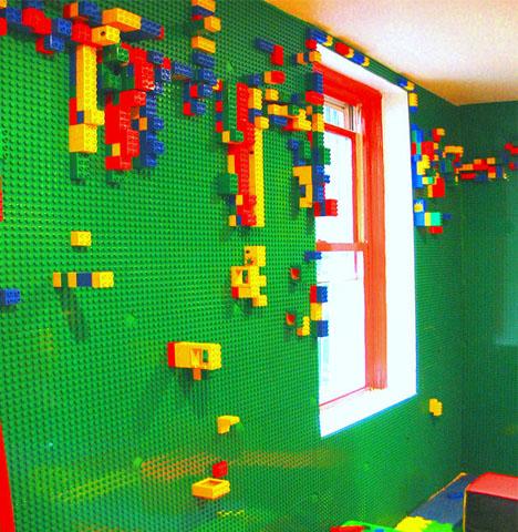 lego-playroom-kids-wall